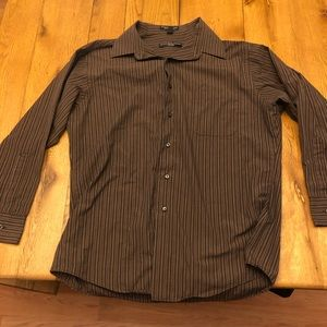 NWOT men's Fitted Button Down